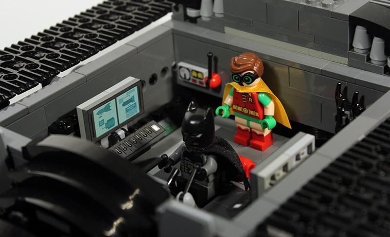 Bat-Tank_09.jpg