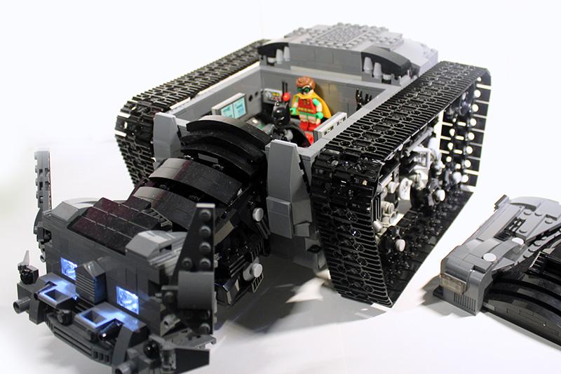 Bat-Tank_10.jpg
